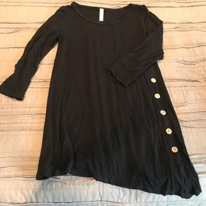 Black flowy tunic with buttons Size Medium